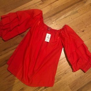 Saks 5th Ave red top w puffy sleeves